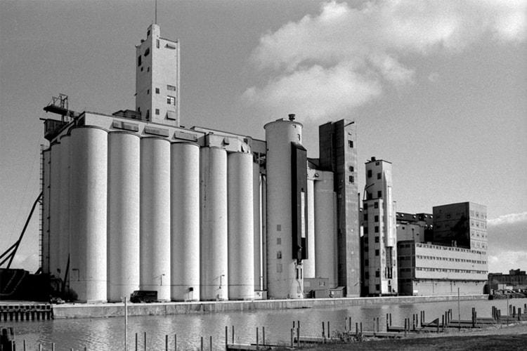 Patricia Layman Bazelon photos of Buffalo Grain Elevators